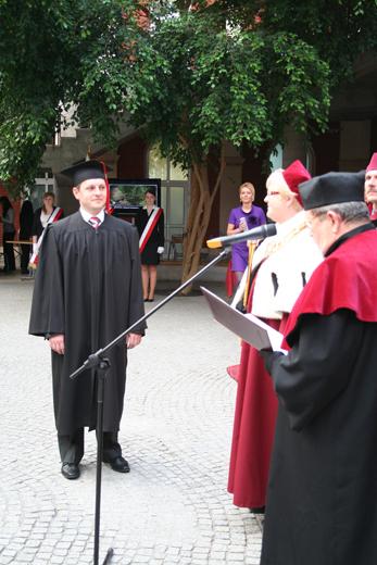 http://www.ahe.lodz.pl/galeria/911/swieto-uczelni-akademia-humanistyczno-ekonomiczna-w-lodzi