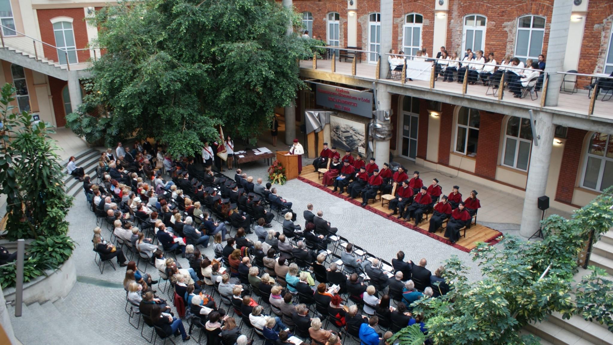 Inauguracja Roku Akademickiego - Patio 5