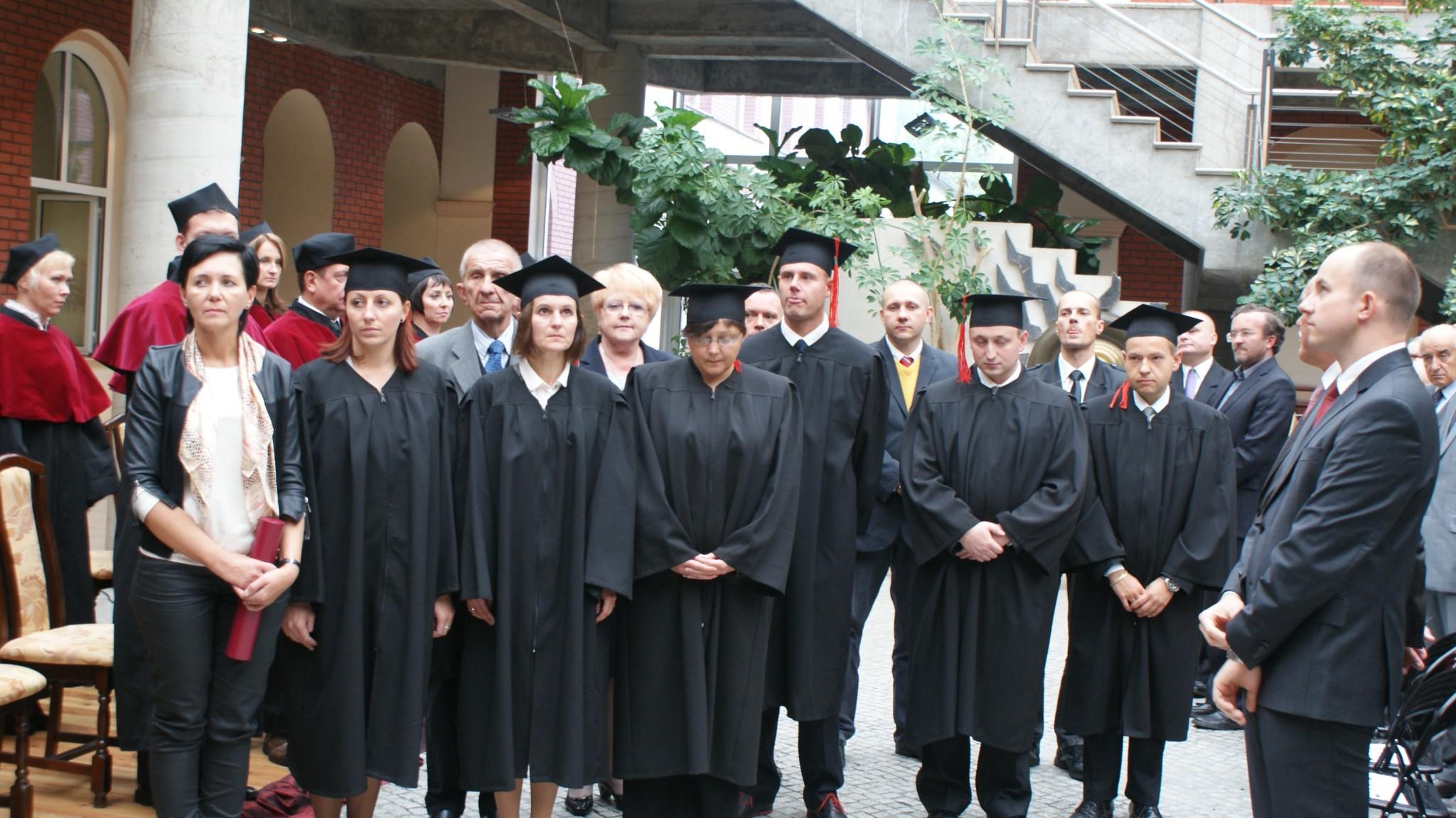 Wręczenie dyplomów doktorskich, od prawej: dr Sebastian Wewiór, dr Marcin Odelski, dr Marcin Łączek, dr Anna Wira, dr Dorota Leśniak, dr Judyta Kabus