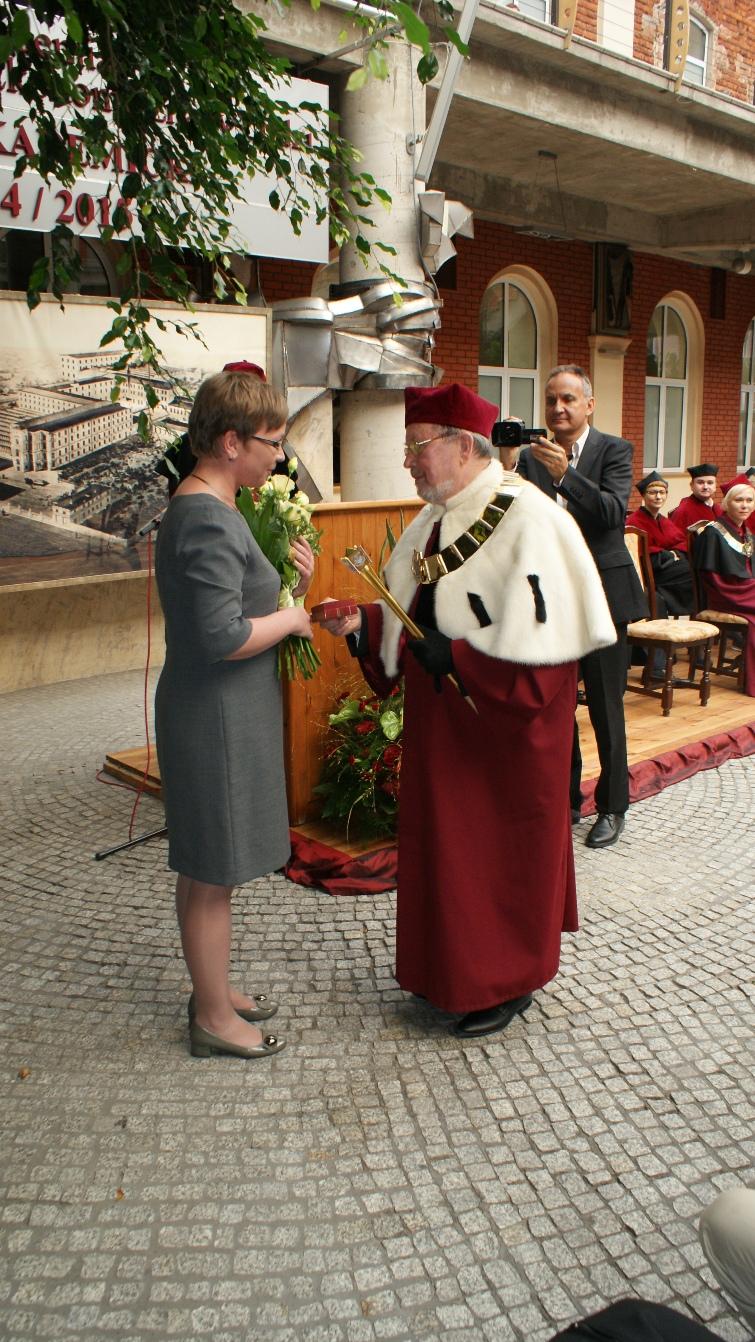 Wręczenie Odznaki Honorowej dr Ewie Ciesielskiej