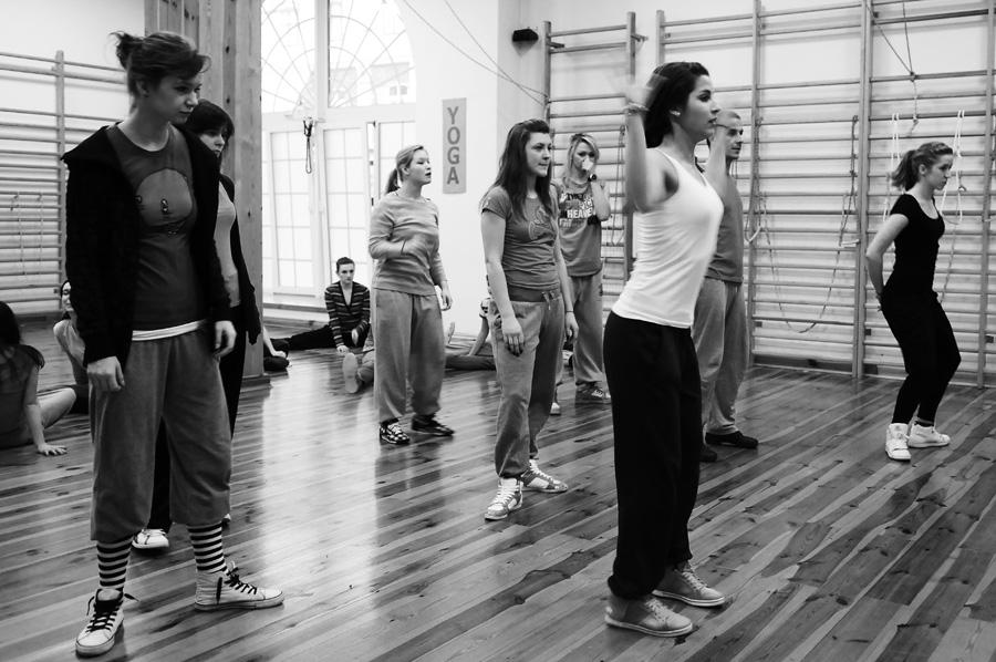 Studenci II roku kierunku Taniec w AHE w Łodzi