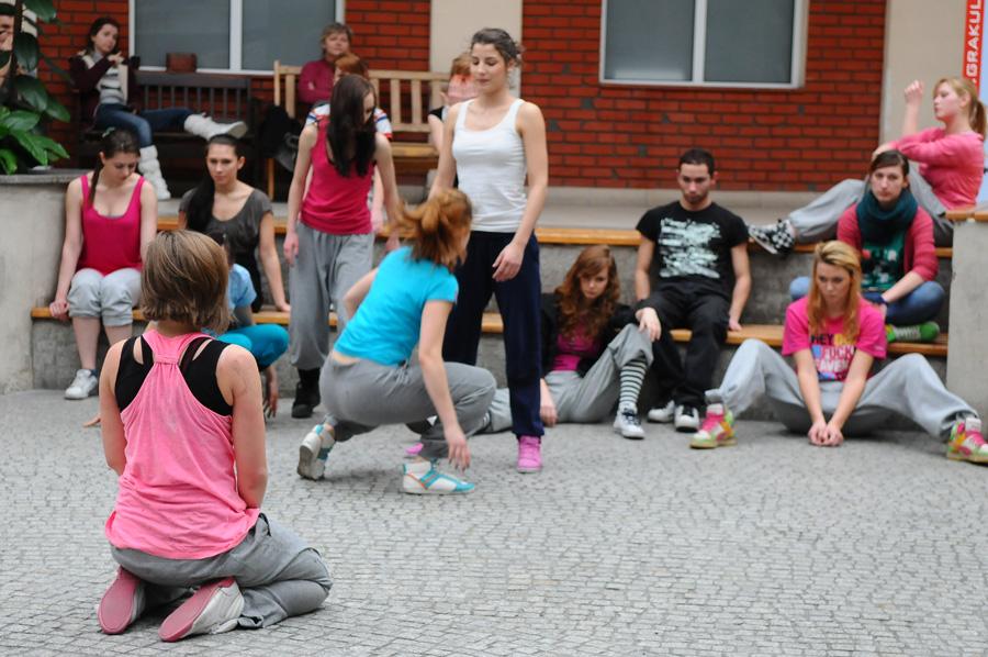 Występ tancerzy w  AHE w Łodzi