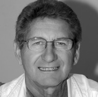prof. zw. dr hab. Andrzej Gieraga