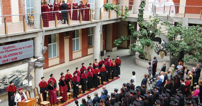 Kadra naukowa Akademii Humanistyczno-Ekonomicznej